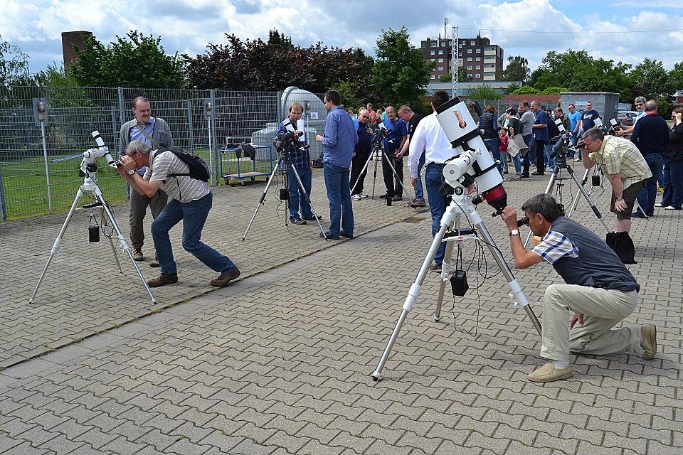 Viel Betrieb bei unseren aufgebauten LUNT Sonnenteleskopen