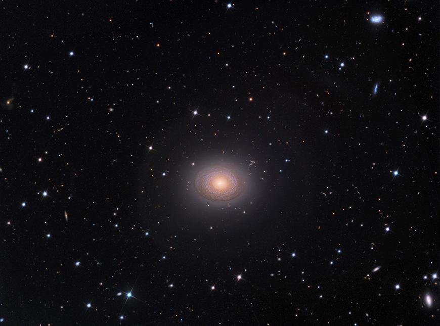 NGC2775