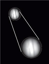 Arriba, el planeta Júpiter con una amplificación correcta y nítida, y con una amplificación borrosa incorrecta.